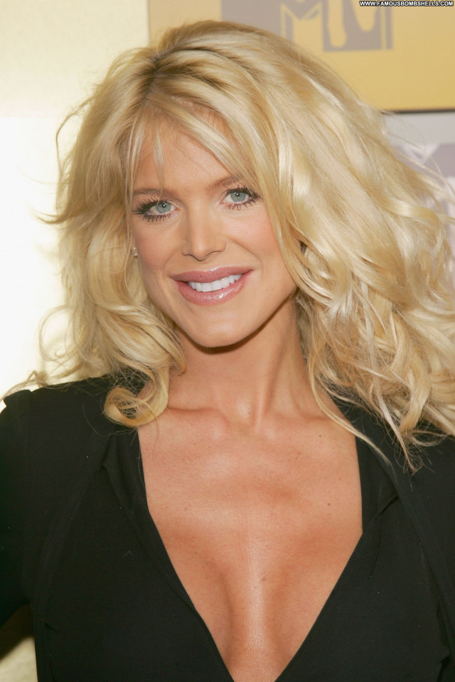 Victoria Silvstedt No Source Posing Hot Celebrity Babe Beautiful Asian