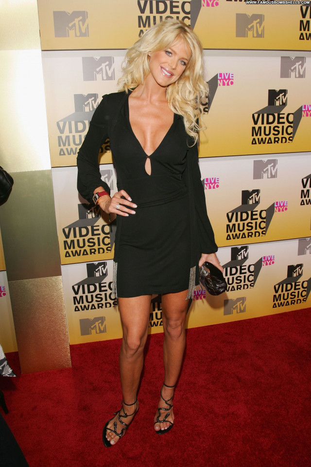 Victoria Silvstedt No Source Beautiful Babe Celebrity Posing Hot Asian
