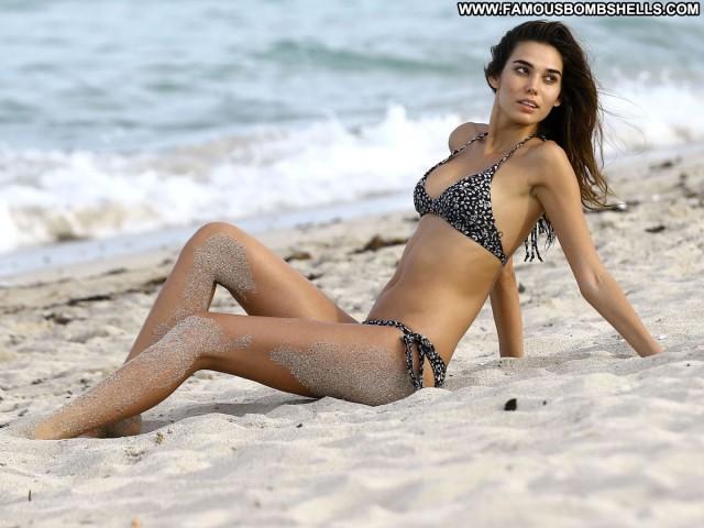 Rachel Vallori Sports Illustrated Swimsuit Swimsuit Sports Posing Hot